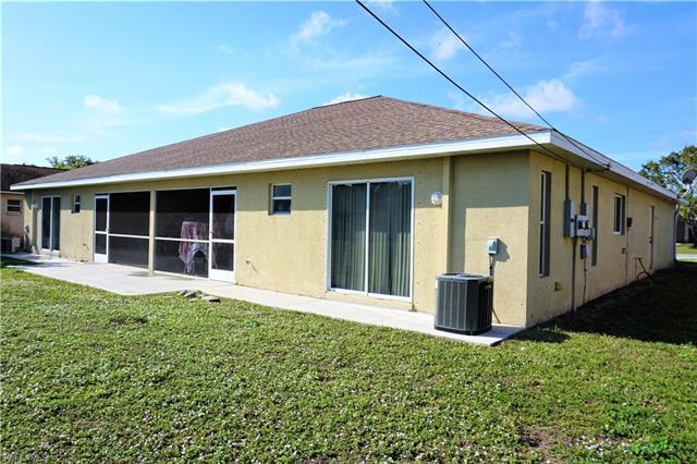 525 /527 Ne 24th Pl, Cape Coral, FL 33909