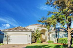9077 Whitfield Dr, Estero, FL 33928