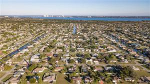 1023 Se 17th Pl, Cape Coral, FL 33990