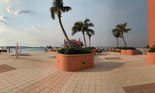 2745 1st St 117, Fort Myers, FL 33916