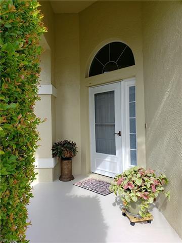 421 Emerald Cove Ln, Cape Coral, FL 33991