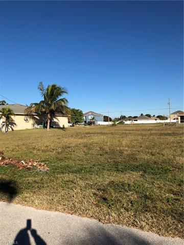 4613 Sw 10th Ave, Cape Coral, FL 33914
