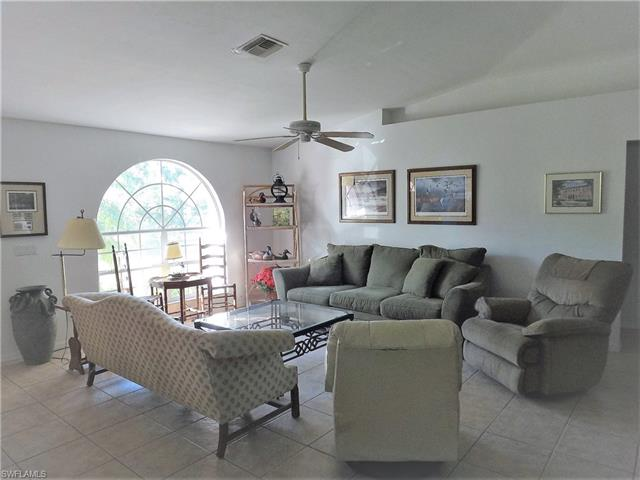 2025 Ne 33rd Ln, Cape Coral, FL 33909