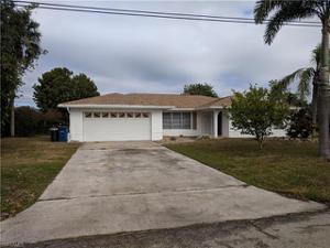 6288 Plumosa Ave, Fort Myers, FL 33908