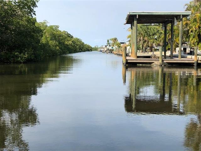 168 Chapel St, Fort Myers Beach, FL 33931