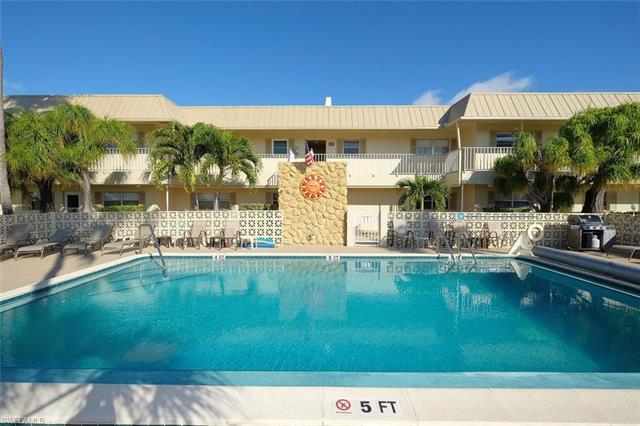 909 Se 46th Ln 112, Cape Coral, FL 33904