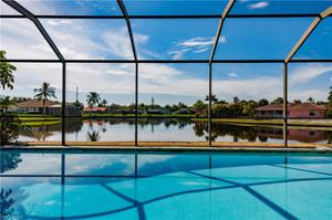 914 S Town And River Dr, Fort Myers, FL 33919