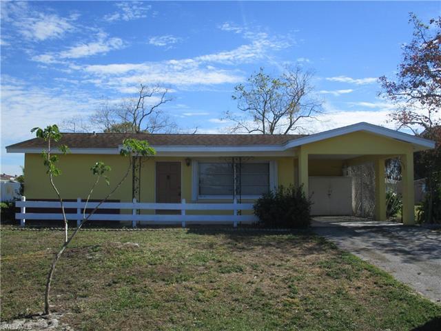 216 Seaton Ave, Lehigh Acres, FL 33936