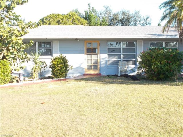 1111 Vineyard St, Lehigh Acres, FL 33936