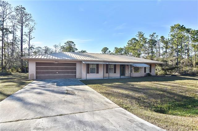 2311 Wellington Ave, Alva, FL 33920
