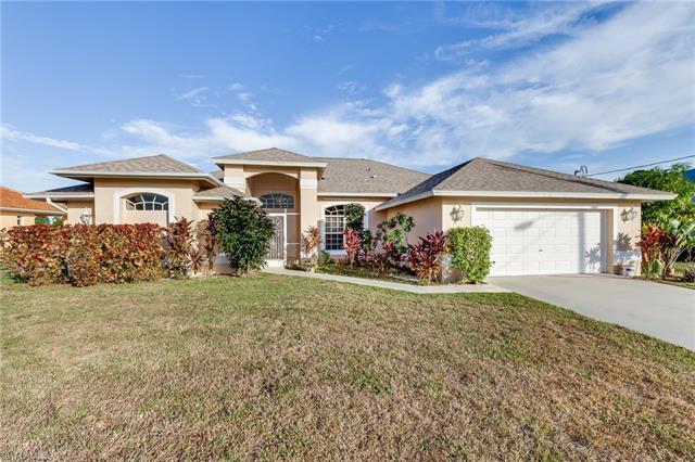 716 Hibiscus Ave, Lehigh Acres, FL 33972