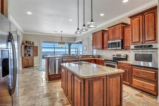 6430 River Club Ct, North Fort Myers, FL 33917
