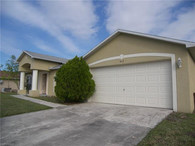 812 Calvert Ave, Lehigh Acres, FL 33971