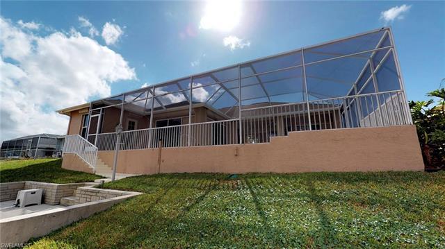 241 Sw 37th Ln, Cape Coral, FL 33914