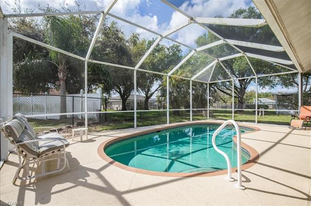 3260 Red Blush Way, Naples, FL 34120