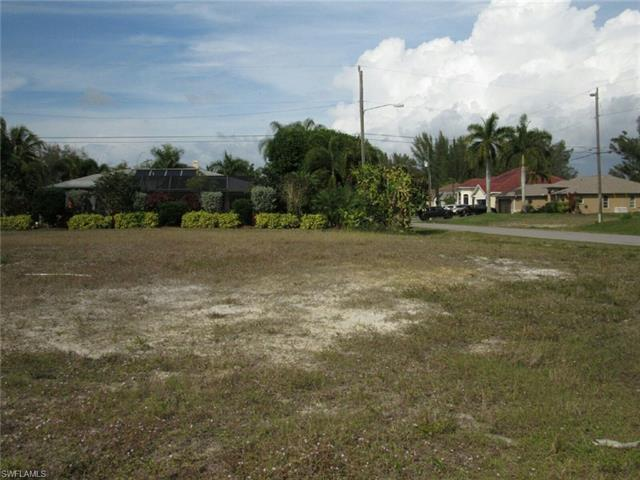 831 Sw 23rd St, Cape Coral, FL 33991