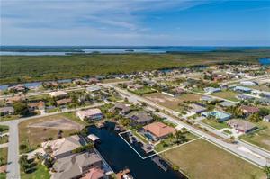 2824 Gleason Pky, Cape Coral, FL 33914