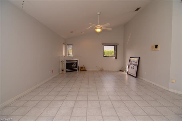 3901 Spring Garden Ln, Estero, FL 33928