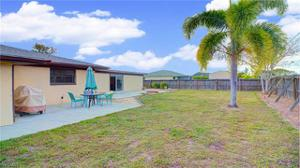 1207 Sw 36th St, Cape Coral, FL 33914