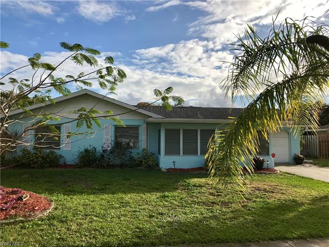 924 Adelphi Ct, Fort Myers, FL 33919