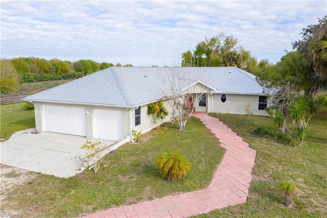 1703 County Road 721 Loop, Moore Haven, FL 33471