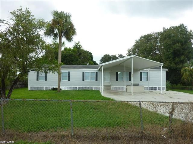 8239 Tolles Dr, North Fort Myers, FL 33917
