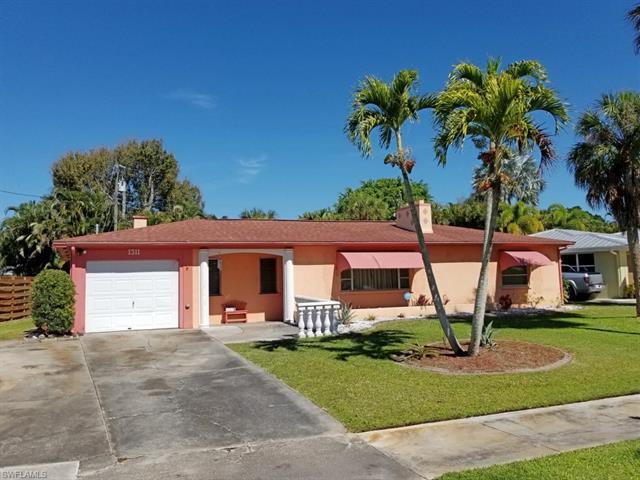 1311 Donna Dr, Fort Myers, FL 33919