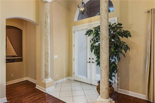8882 Crown Colony Blvd, Fort Myers, FL 33908