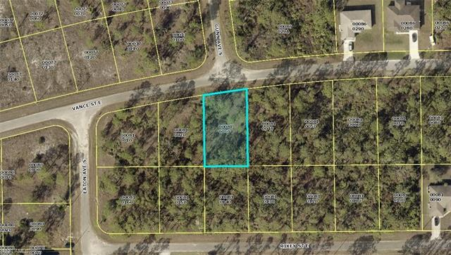 828 Vance St E, Lehigh Acres, FL 33974