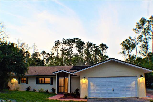 5111 Coral Wood Dr, Naples, FL 34119