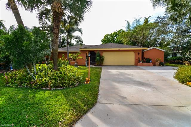 5716 Stonehaven Dr, North Fort Myers, FL 33903
