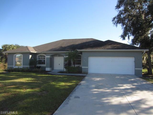446 Ravenswood Blvd, Port Charlotte, FL 33954