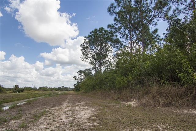 3103 Hanna Ave S, Lehigh Acres, FL 33976
