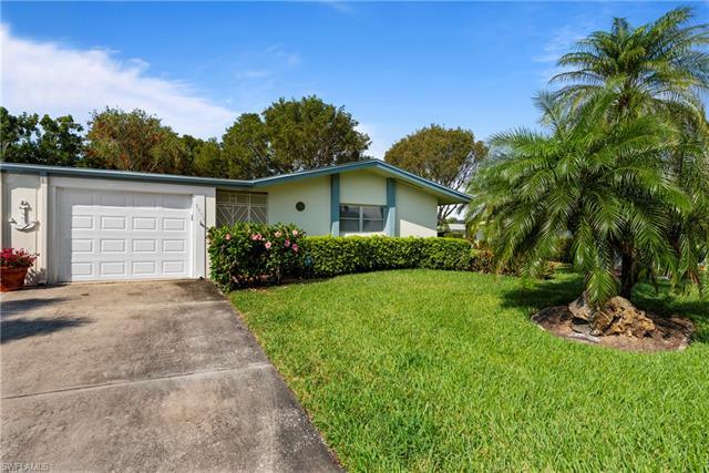 5570 Hamlet Ln, Fort Myers, FL 33919
