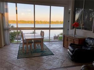 5790 Harborage Dr, Fort Myers, FL 33908