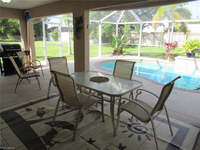 2024 Se 8th Pl, Cape Coral, FL 33990