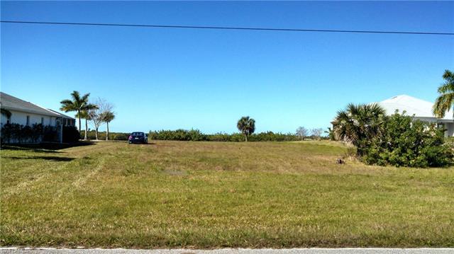 5107 Collingswood Blvd, Port Charlotte, FL 33948