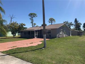 202 E 3rd St, Lehigh Acres, FL 33936