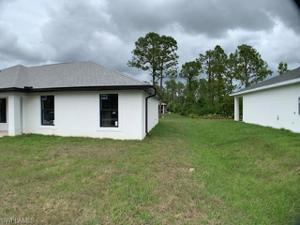 2802 9th St W, Lehigh Acres, FL 33971