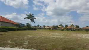 5808 Harbour Cir, Cape Coral, FL 33914