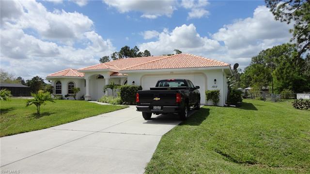 1213 Scott Ave, Lehigh Acres, FL 33972