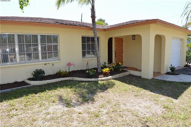184 Hibiscus Dr, Fort Myers Beach, FL 33931
