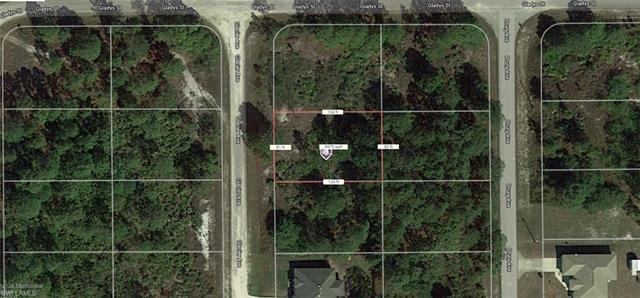 707 Glacier Ave, Lehigh Acres, FL 33974