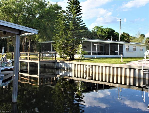 1016 Ridgewater Ln, Moore Haven, FL 33471