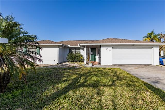 140 Crescent Dr, Fort Myers, FL 33919