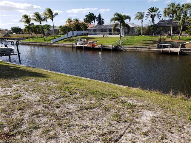 1009 Se 15th St, Cape Coral, FL 33990