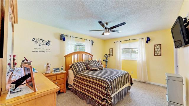 6301 Hofstra Ct E, Fort Myers, FL 33919