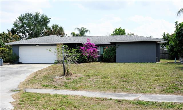 946 Happy Ct, North Fort Myers, FL 33903