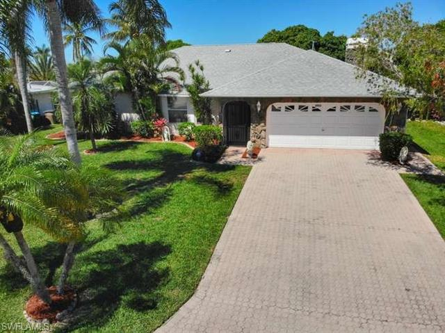 4922 Sorrento Ct, Cape Coral, FL 33904