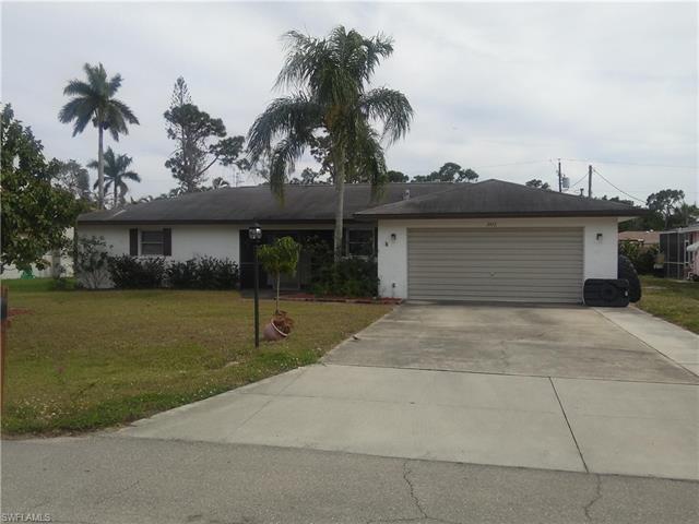 2472 Woodland Cir, Fort Myers, FL 33907